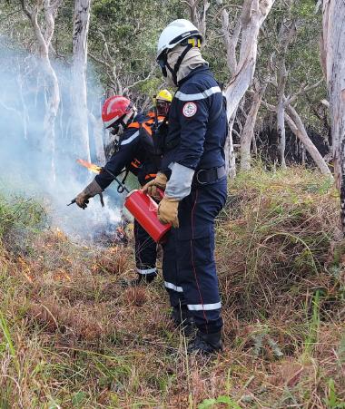 Ils étaient dix-neuf sapeurs-pompiers sur Touho à suivre une formation aux feux tactiques.