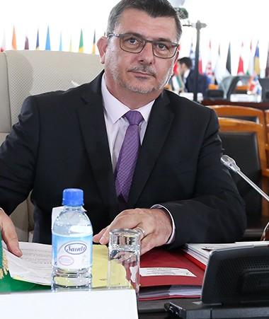 Philippe Germain s'est rendu au XVIe sommet de la francophonie où l'accès de la Nouvelle-Calédonie au statut de membre associé de l'Organisation internationale de la francophonie a été annoncé.
