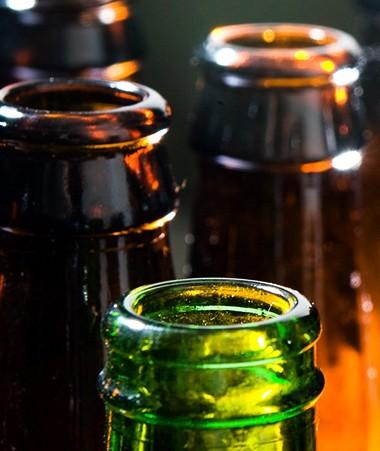 Avec cette délibération, la consommation d'alcool est restreinte et susceptible d'être interdite par arrêté dans les lieux publics.