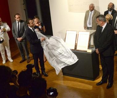 La remise des actes de possession de 1853 s'est déroulée en présence des membres du gouvernement, des signataires de l'Accord de Nouméa, d'élus, de coutumiers et de nombreux invités.