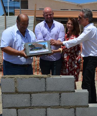 Christopher Gygès aux côtés notamment de Jean-Pierre Kabar, président de la Cafat et de Chantal Bouyé, 4e adjointe au maire de Nouméa.