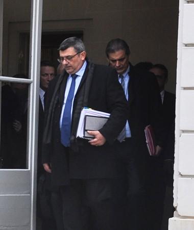 En milieu de journée, une délégation calédonienne restreinte s'est rendue à l'Hôtel Matignon pour la reprise du 16e comité des signataires sous la présidence du Premier ministre. (c)MNC