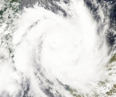 1000x451_cyclone.jpg