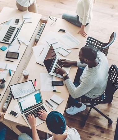 """Parmi les actions prioritaires pour le développement de la filière numérique, la création d'un lieu """"totem"""" pour réunir et structurer la filière."""