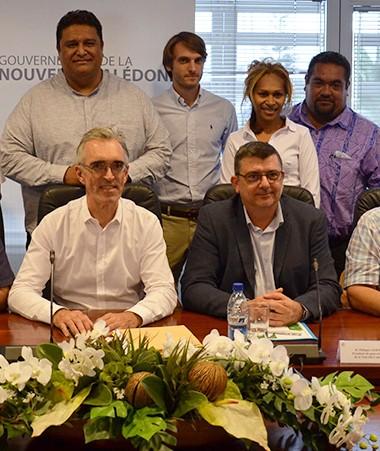 Philippe Germain et Jean-Louis d'Anglebermes ont reçu au gouvernement les délégations de Wallis-et-Futuna et de l'OPT.