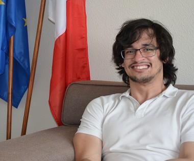 Guillaume Goyetche a été retenu comme médiateur linguistique français-anglais pour les Jeux olympiques et paralympiques d'hiver en Corée du Sud.