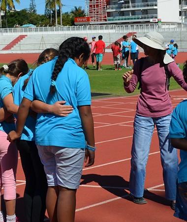 Course à reculons, jeux coopératifs… les ateliers ont réuni des enfants valides et en situation de handicap autour d'un objectif commun : relever des défis ensemble.