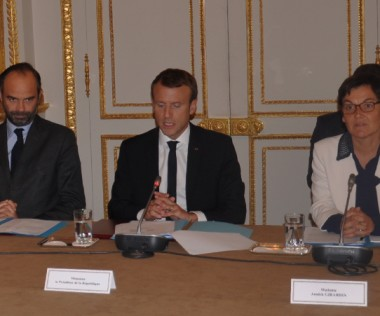 La délégation calédonienne a été reçue à l'Élysée par le président Macron.