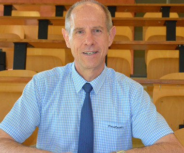 Érick Roser, vice-recteur,  a été nommé directeur général des enseignements de la Nouvelle-Calédonie par un arrêté du gouvernement du 7 mai 2019.
