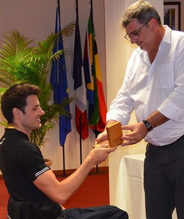 Philippe Germain a reçu les nombreux médaillés pour leur adresser de vive voix ses félicitations.
