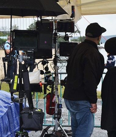 Le tournage des deux épisodes calédoniens a commencé sous la pluie, à Nouméa.