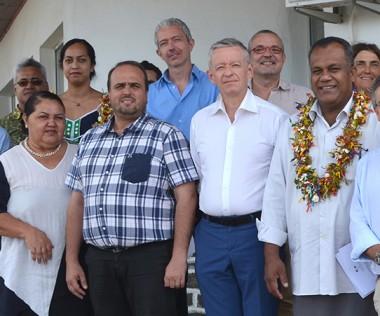 La délégation calédonienne, conduite par le secrétaire général du gouvernement Alain Marc, a été accueillie à Mata-Utu le 13 juin.