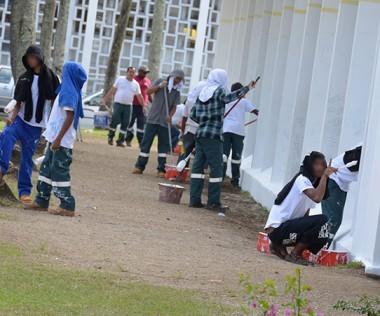 Une vingtaine de jeunes, encadrés par des éducateurs de la DPJEJ, se sont relayés durant le chantier.
