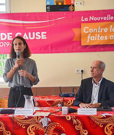 Isabelle Champmoreau et Érick Roser ont présenté l'opération «  Changeons les règles » le 30 avril au collège de Rivière-Salée en présence des partenaires.