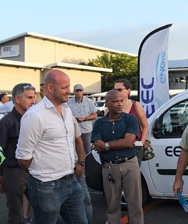 Lors de l'inauguration de la station hydrogène d'EEC, les invités ont pu bénéficier d'explications détaillées du chef de projet.