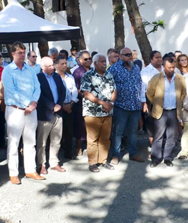 Comme le veut la tradition, le conseil d'aire Xaracuu a présenté la coutume aux autorités de l'aire Drubéa Kapumë pour l'ensemble des invités du président du gouvernement et du haut-commissaire.