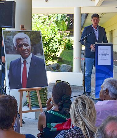 « En prononçant le nom du lycée Dick Ukeiwë, c'est plus largement toute l'ambition républicaine que nous faisons résonner », a souligné Thierry Santa.
