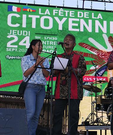 Le groupe Angklung Vibration, qui revisite la musique traditionnelle indonésienne en l'enrichissant de rap, kaneka…, a ouvert la scène musicale.