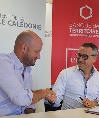 Christopher Gygès, membre du gouvernement en charge de l'énergie et président de l'ACE, et Éric Pannoux, directeur territorial Pacifique de la Banque des territoires.