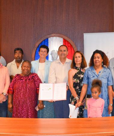 Les partenaires du dispositif de prise en charge d'urgence des victimes de violences hors cadre judiciaire pour l'aire Xârâcùù ont signé le protocole de mise en œuvre à la mairie de Boulouparis.