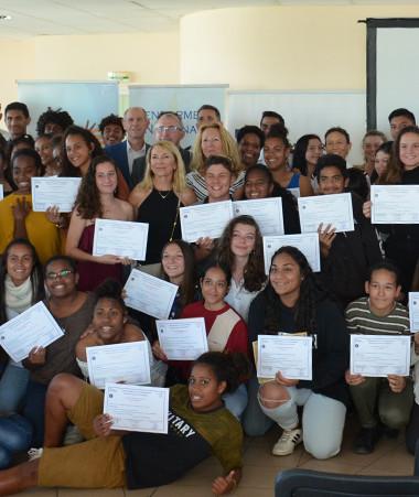 71 jeunes du lycée du Grand Nouméa ont reçu leur attestation d'élèves pairs.