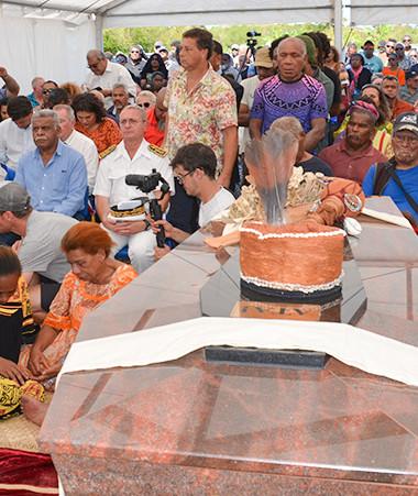 Les représentants des institutions étaient réunis le 1er septembre à l'occasion de l'inhumation d'Ataï et de son sorcier.