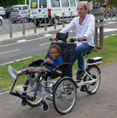 Très maniable, le tricycle peut être utilisé par des associations, des établissements scolaires ou des particuliers.
