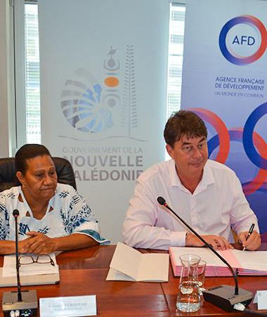 La signature de convention entre la Nouvelle-Calédonie et l'AFD s'est déroulée le 16 décembre, en présence notamment de la membre du gouvernement en charge du plan Do Kamo, Valentine Eurisouké.