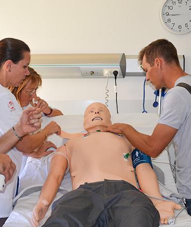 Les acteurs de la santé et de secours ont pu découvrir les dispositifs de simulation proposés par le Cesim le 19 novembre.