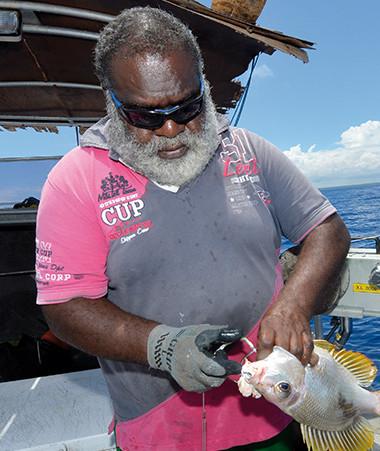 La filière de la pêche côtière contribue à l'autosuffisance alimentaire du pays et au maintien du tissu économique dans les trois provinces. Photo Agence rurale – Crédit photo : Eric Aubry