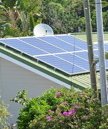 Le dispositif pour inciter les particuliers à s'équiper en panneaux photovoltaïques a été étendu aux logements collectifs.