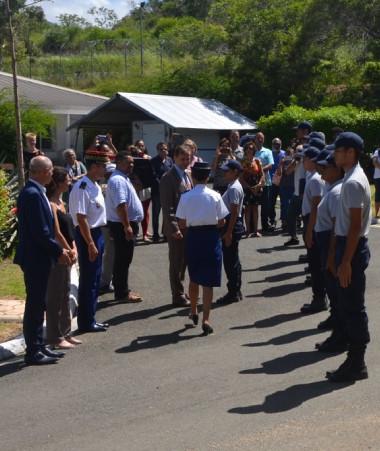 La première promotion des Cadets de la gendarmerie lors de la cérémonie de sortie le 29 janvier en présence des représentants de l'État, du gouvernement, de la province Sud et du Sénat coutumier (© Cadets de la gendarmerie).
