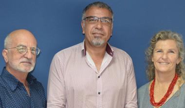 Le président du cluster maritime de Nouvelle-Calédonie, Philippe Darrason, entouré de ses managers, Emma Colombin et Lionel Loubersac.