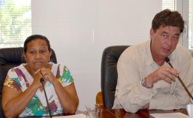 Le président du gouvernement Thierry Santa et Valentine Eurisouké ont animé une conférence de presse le 10 mars sur les mesures prises face au coronavirus.