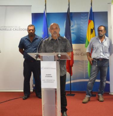 Gilbert Tyuienon, Rock Wamytan, Hippolyte Sinewami Htamumu et Marcel Païta se sont exprimés, en présence de Didier Poidyaliwane, chargé des affaires coutumières au gouvernement.