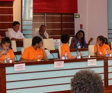 Hélène Iékawé s'est adressée aux jeunes élus du Congrès en séance plénière.