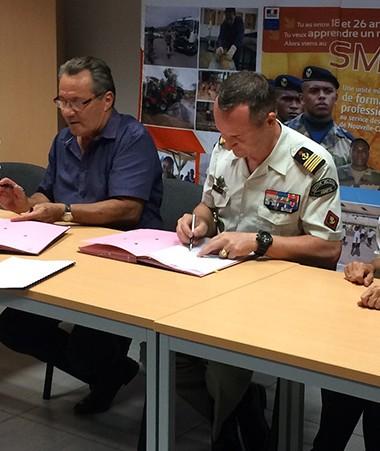 Les partenaires ont signé une convention de formation aux métiers de la mine le 15 février. Jean-Louis d'Anglebermes, vice-président et chargé de la formation professionnelle, représentait le gouvernement.