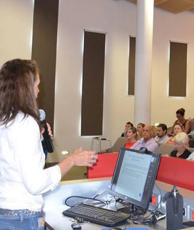 Magda Bonal-Turaud, directrice de la direction du Travail et de l'emploi s'est exprimée jeudi 22 octobre sur l'inégalité réelle hommes femmes au travail.