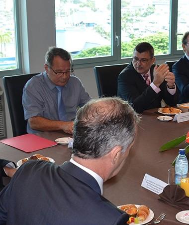 A l'occasion de cette rencontre de travail,  il a été question des politiques à mener en faveur notamment de la préservation de notre biodiversité, de la réappropriation des ressources halieutiques, ou encore d'un développement agricole et touristique dur