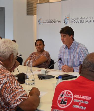 Thierry Santa a reçu les représentants du collectif « Usine du Sud = usine pays », aux côtés de la membre du gouvernement, Valentine Eurisouké.