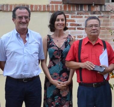 Aux côtés de Bernard Deladrière et de Valérie Meunier, directrice du Creipac, les représentants de partenaires du Forum : l'Alliance Champlain, l'Amicale vietnamienne, l'UNC, l'IRD, le Poemart et Aircalin.