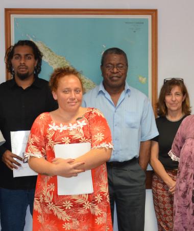 Les volontaires étaient accompagnées par les représentantes de l'association France volontaires, Béatrice Christiny et Sophie Soejitno.