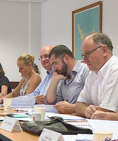 Le comité de gestion du FIP équipement est co-présidé par le président du gouvernement, représenté par Yoann Lecourieux chargé du budget et des finances, et le haut-commissaire, représenté par son secrétaire général Laurent Cabrera.