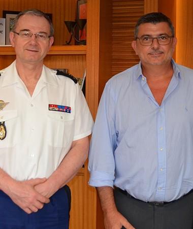 Philippe Germain aux côtés des généraux Marietti et Lizurey, respectivement à la tête de la gendarmerie locale et nationale, et de Sébastien Lemoine, coordonnateur sécurité et prévention de la délinquance au gouvernement.