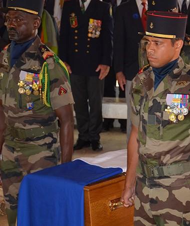 Une cérémonie religieuse œcuménique et une veillée funèbre ont suivi l'hommage rendu à Kalepo Wabete à Ko We Kara.