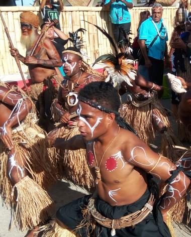Les Calédoniens se préparent pour la cérémonie d'ouverture