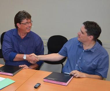 Thierry Santa, président du conseil d'administration du CREIPAC et Gaël Lagadec, président de l'UNC, ont signé une convention de partenariat, jeudi 13 octobre.