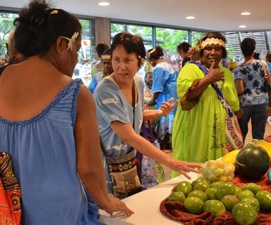 Un marché et des ateliers d'échanges ont animé la journée au centre culturel Tjibaou.