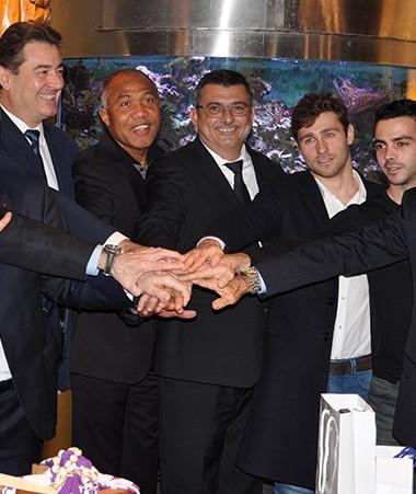 Philippe Germain en compagnie sportive, avec le président du CNOSF (à gauche), le directeur général de l'Insep (3e à gauche), Charles Cali (1er à droite), ou encore Antoine Kombouaré et l'ex-judoka Thierry Rey (2e à gauche).