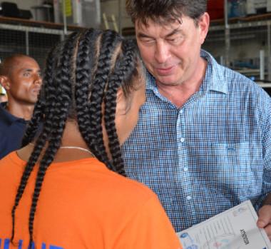 « S'engager ainsi auprès de ceux qui bravent le danger pour protéger la population est vraiment une belle aventure citoyenne », a félicité Thierry Santa.